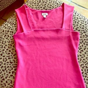 Cache sleeveless top with spandex